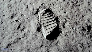 impronta primo uomo sulla luna